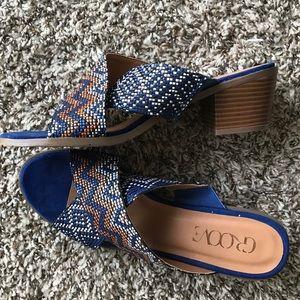 Groove Royal Blue Aztec Mini Chunk Heels size 9.5
